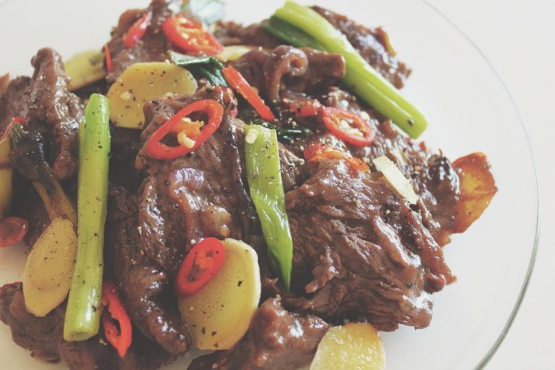 Stir-fried Gravy Beef with Chilli, Ginger & Shallot