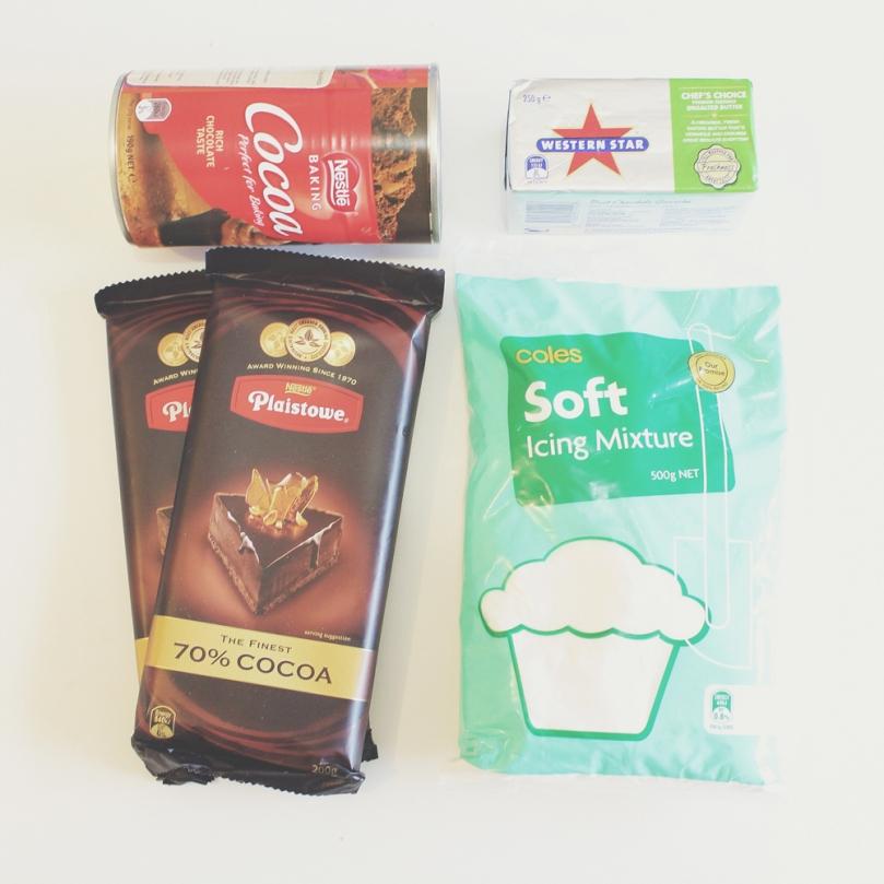 Layered Chocolate & Salted Caramel Cake Ingredients