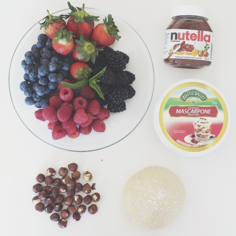 Nutella & Mixed Berries Pizza Ingredients