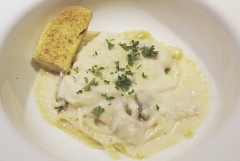Arabela, Camello's Bakehaus & Coffee Shop - PASTA (PASTA IN WHITE SAUCE): FETTUCCINE WITH HAM & MUSHROOM