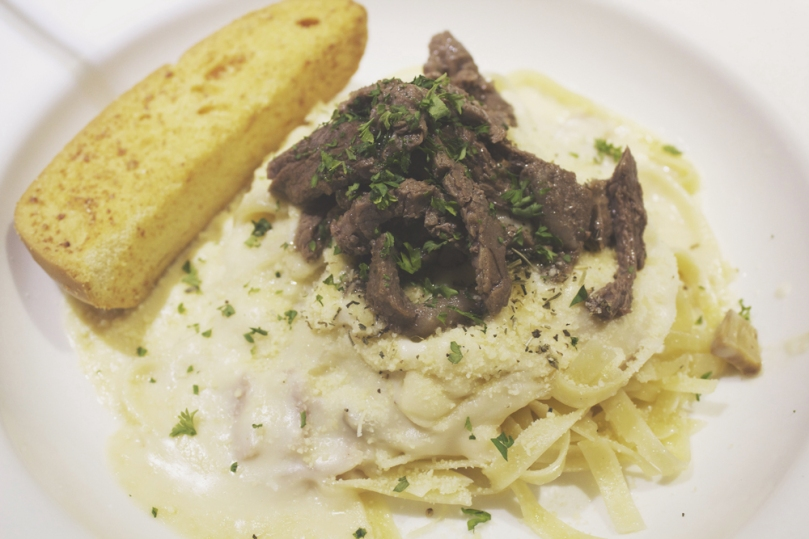 Arabela, Camello's Bakehaus & Coffee Shop - HOUSE SPECIALS (CREAM BASED): SIRLOIN FETTUCCINE
