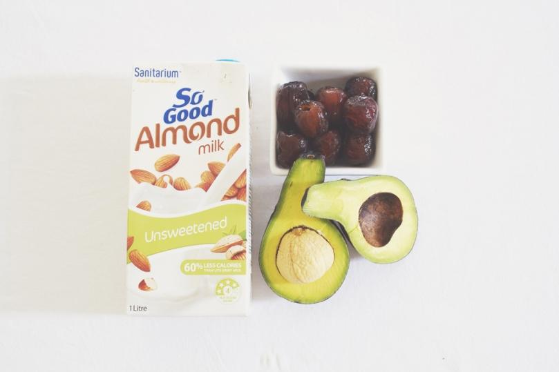 Avocado & Date Smoothie Ingredients