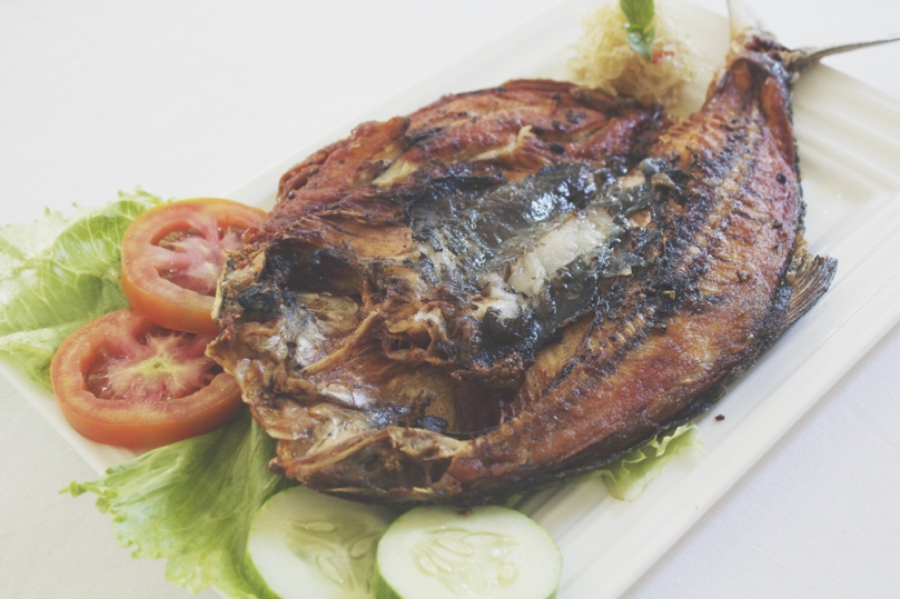 Pritong Bangús Steak (Fried Milkfish Steak)