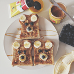 Banana, Blueberry & Peanut Butter Teddy Toasts