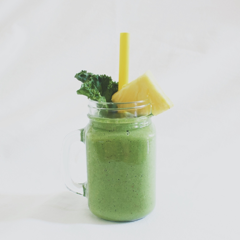 Kale Smoothie with Almonds, Banana, & Pineapple