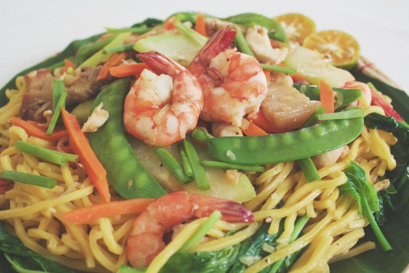 Pancit Lucban (Filipino Style Stir-Fried Thick Flour Noodles)