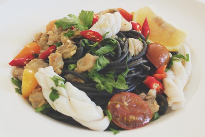 Spaghetti al Nero di Seppia con Calamari e Vongole