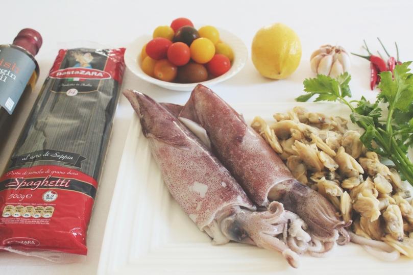 Spaghetti al Nero di Seppia con Calamari e Vongole Ingredients