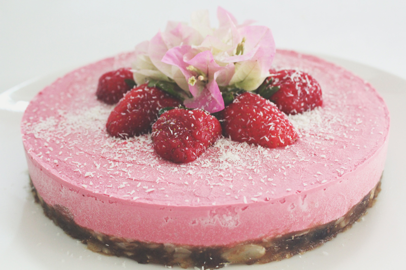 No Bake Strawberry & Coconut Vegan 'Cheesecake'