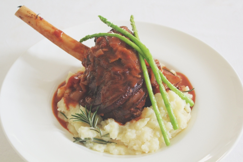 Red Wine & Rosemary Braised Lamb Shanks