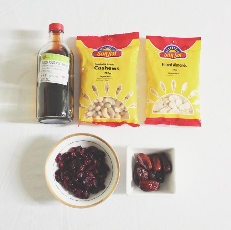 Cranberry Vanilla Energy Bites Ingredients