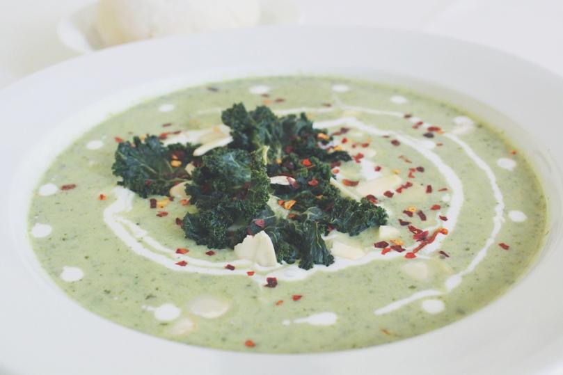 Vegan Broccoli & Kale Soup