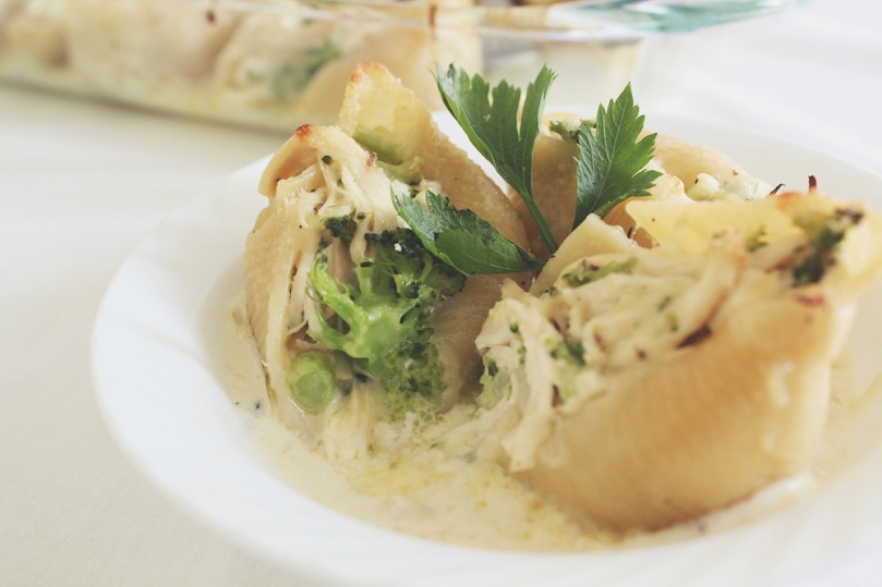 Chicken & Broccoli Alfredo Stuffed Conchiglie