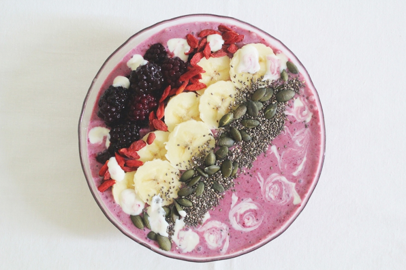 Banana & Blackberry Smoothie Bowl