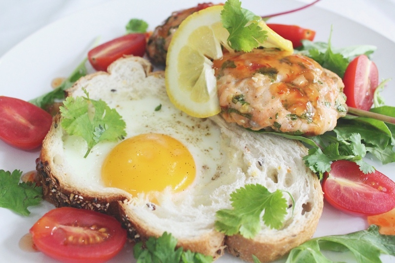 Salmon Fish Cakes with Oven-baked Eggs