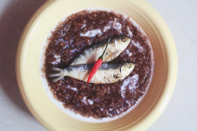 Classic Champorado (Chocolate Rice Porridge)