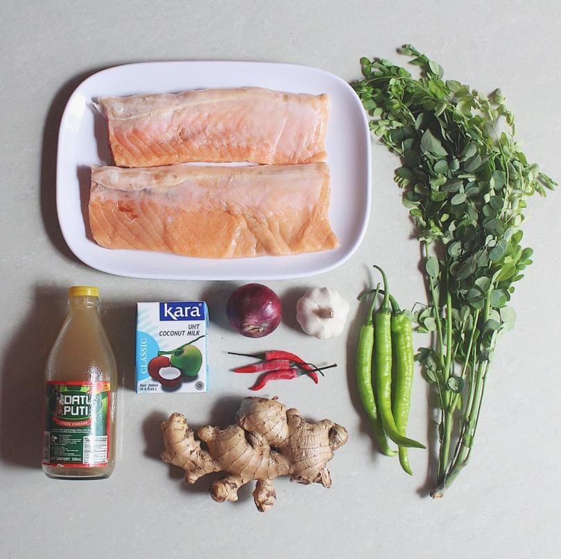 Salmon Belly Paksiw sa Gata (Stewed in Vinegar & Coconut Milk) Ingredients