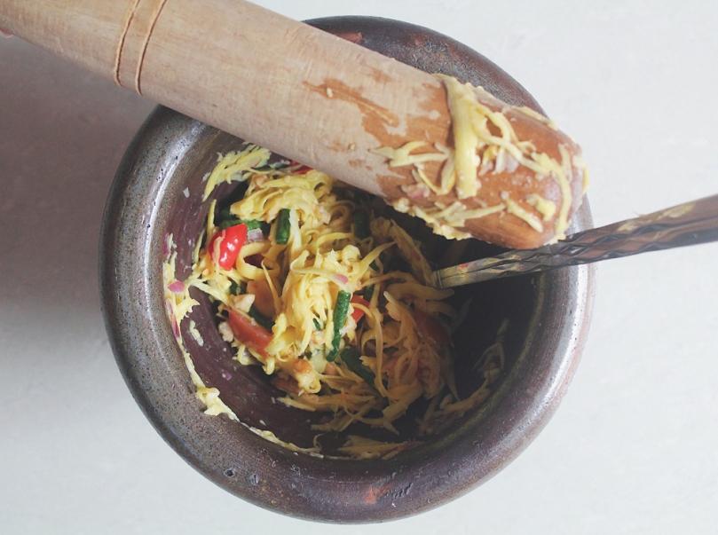 Som Tam Mamuang (ส้มตำมะม่วง) Green Mango Salad Process