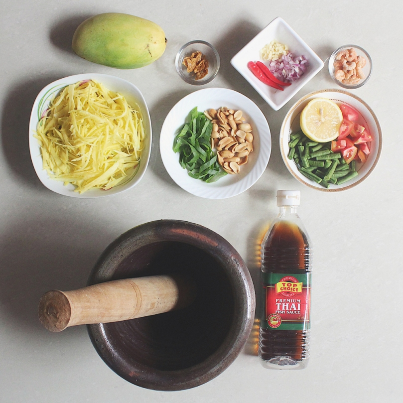 Som Tam Mamuang (ส้มตำมะม่วง) Green Mango Salad Ingredients