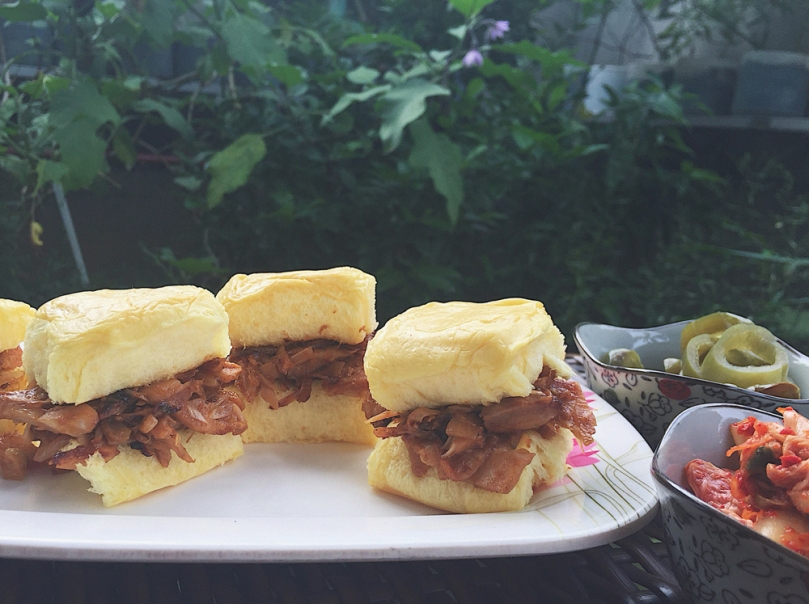 "Vegetarian ""Pulled Pork"" Sliders"