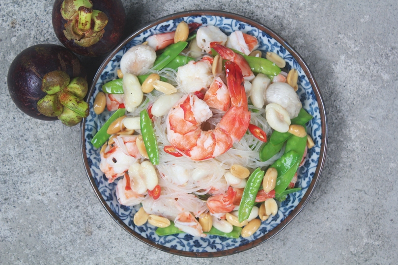 Mangosteen Vermicelli Salad with Steamed Prawns & Snow Peas
