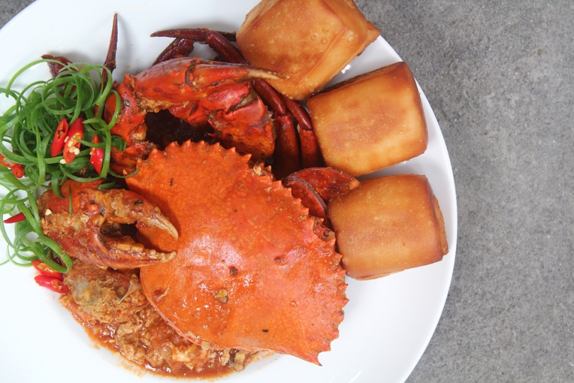 Singapore Chilli Crab with Fried Mantou