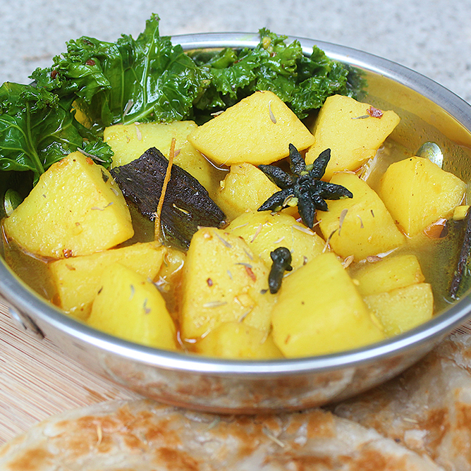 Aloo Curry (Indian Potato Curry)