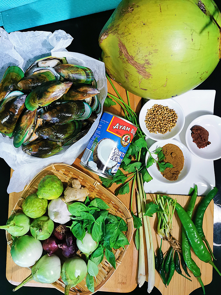 Thai Green Curry Mussels Ingredients