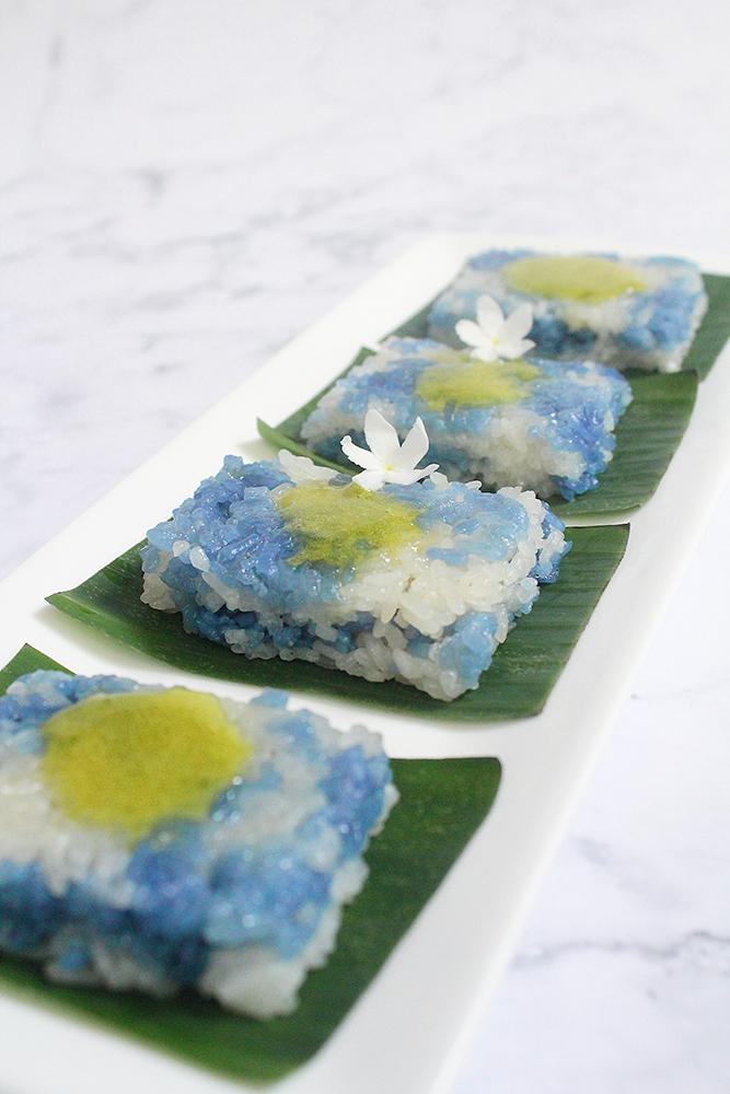 Pulut Tai Tai (Blue Glutinous Rice Cakes)