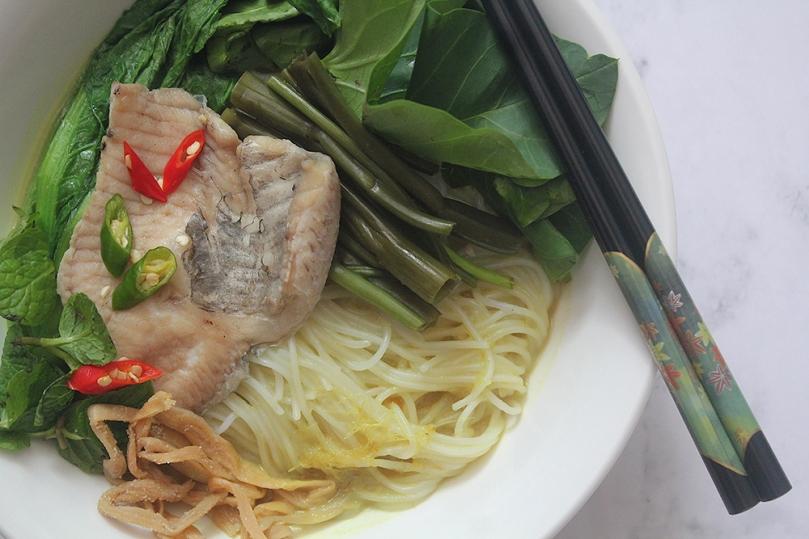 Num Banh Chok (Fish Noodle Soup)