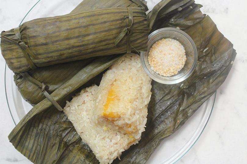 Num Ansom Chek (Rolled Banana Rice Cake)